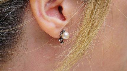 ear40